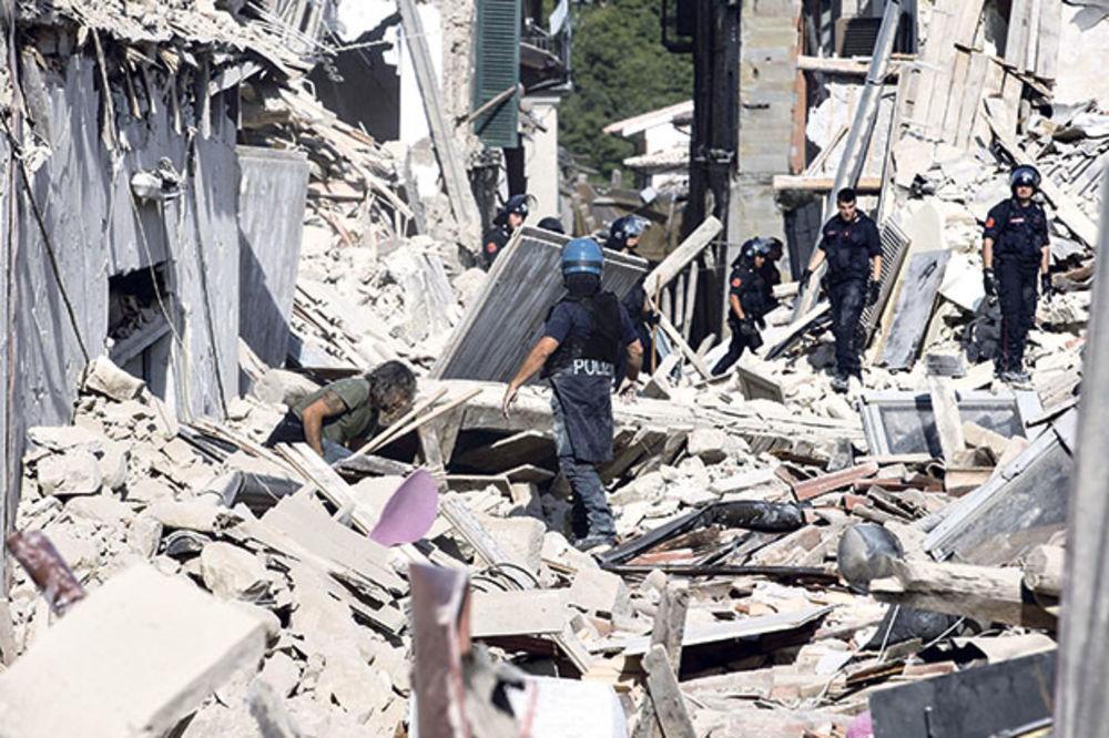 DAN ŽALOSTI U ITALIJI: Policija čuva ruševine kuća od pljačkaša!