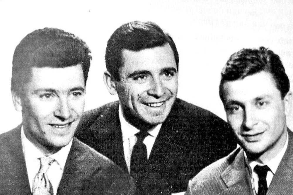 Braća... Najstariji Đuza u sredini s blizancima Predragom i Nenadom