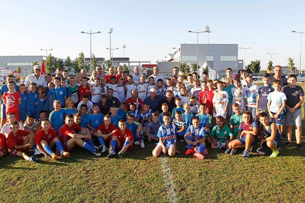 DANI KOJI SE PAMTE: Deca sa Kosova i Metohije gosti Fudbalskog saveza Srbije