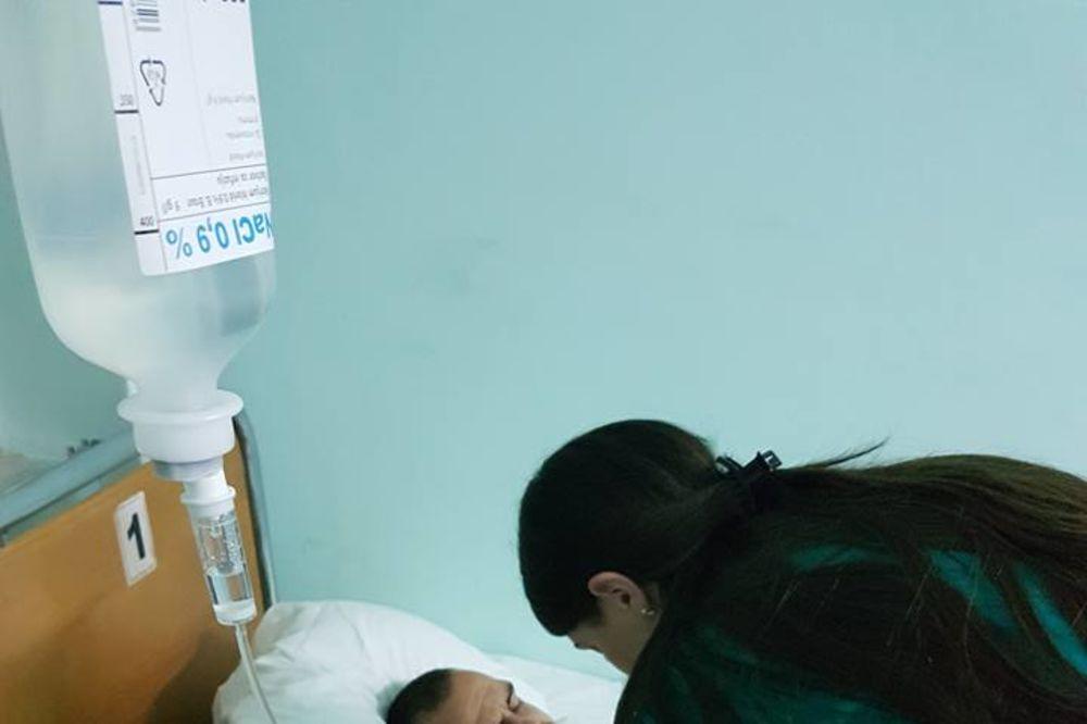 (FOTO) FIZIOTERAPEUT KOD ŽIVKOVIĆA: Ovako sada izgleda golman Novog Pazara dok čeka operaciju