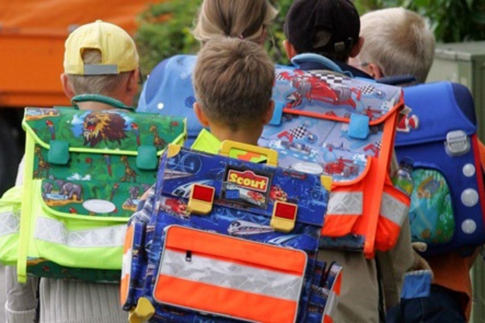 RODITELJI OPREZ: Razmislite pre kupovine školskog pribora, jer su razlike u cenama ogromne!