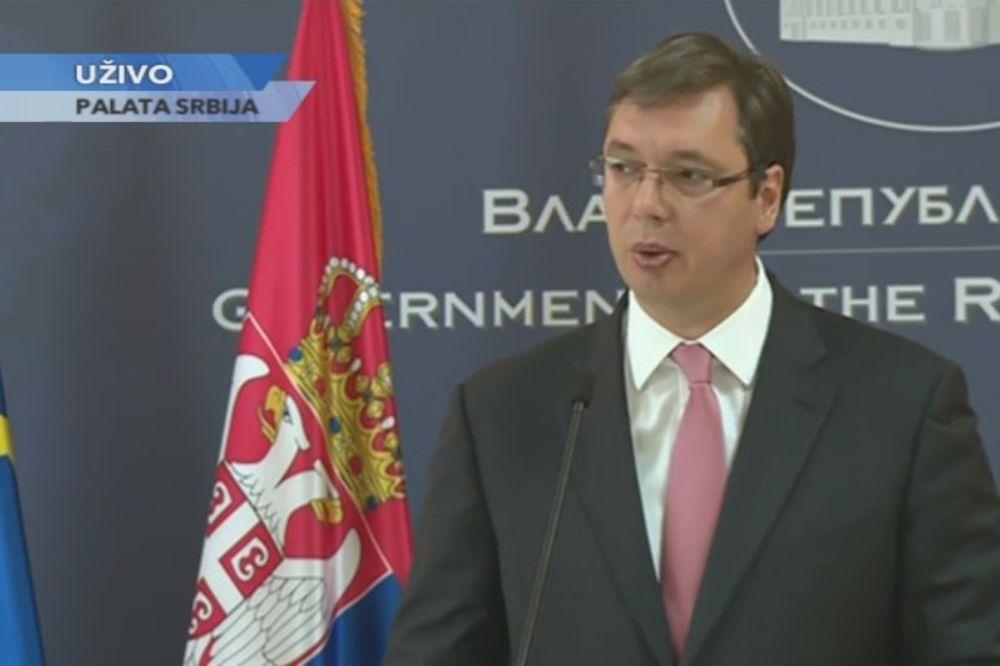 VUČIĆ U PALATI SRBIJA: Ostavite Srbiju na miru!