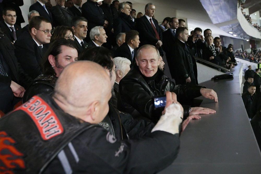 KREMLJ: Putin ne ide u Tursku na utakmicu, navijaće od kuće