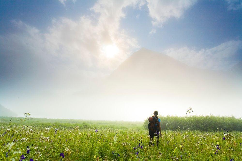 ZABORAVLJENI SRPSKI OBIČAJI: Ako se nađete u prirodi ovih dana, obavezno uradite OVO!