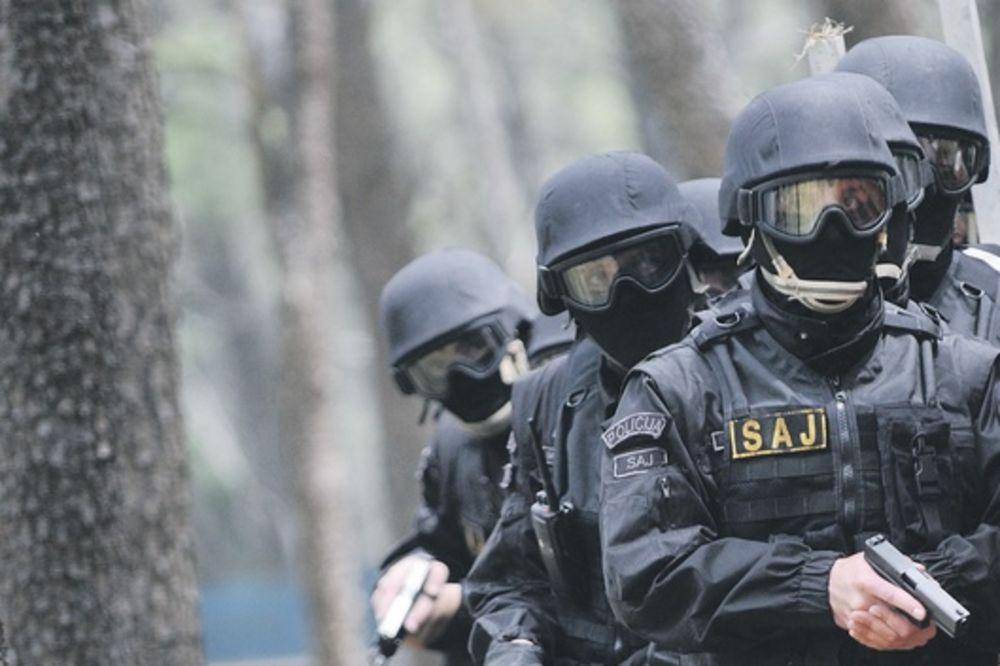 CRNA GORA OKRENULA DUGE CEVI KA KOSOVU: Specijalci postavili mitraljeska gnezda na granici