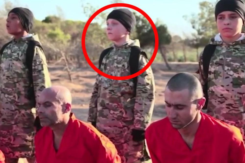 (VIDEO) TO JE MOJE DETE! Englez prepoznao sina među džihadistima ubicama na snimku egzekucije Kurda!