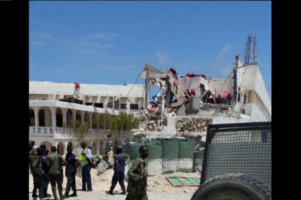 (VIDEO) EKSPLOZIJA U MOGADIŠU Automobil bomba eksplodirao pred vilom predsednika Somalije
