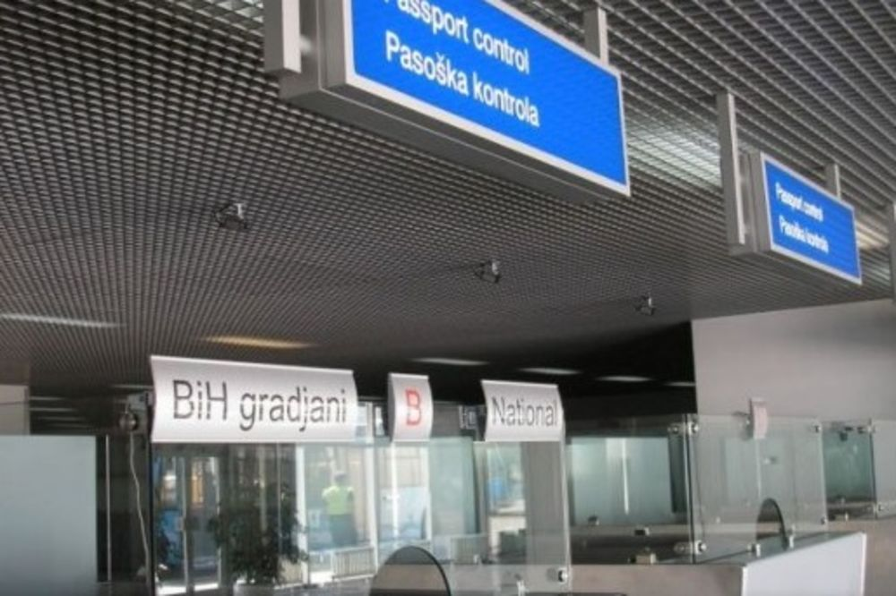 BRUKA: Policajac pljačkao putnike na Sarajevskom aerodromu!