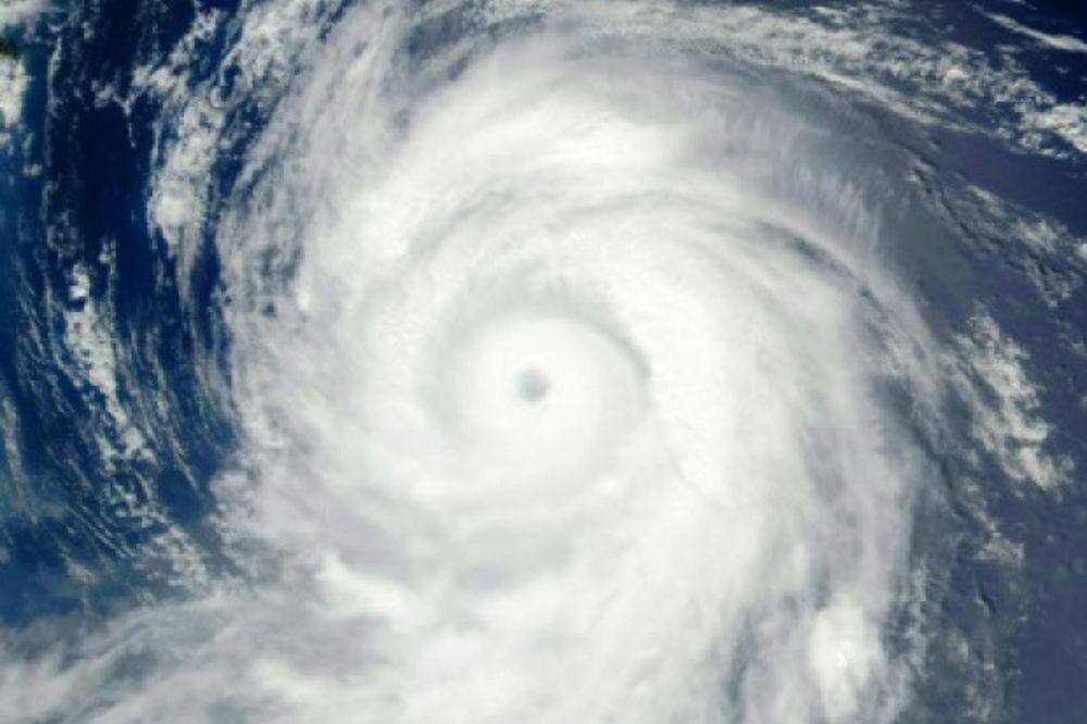 (VIDEO) PANIKA U JAPANU: Stiže razorni tajfun, evakuišu hiljade ljudi!