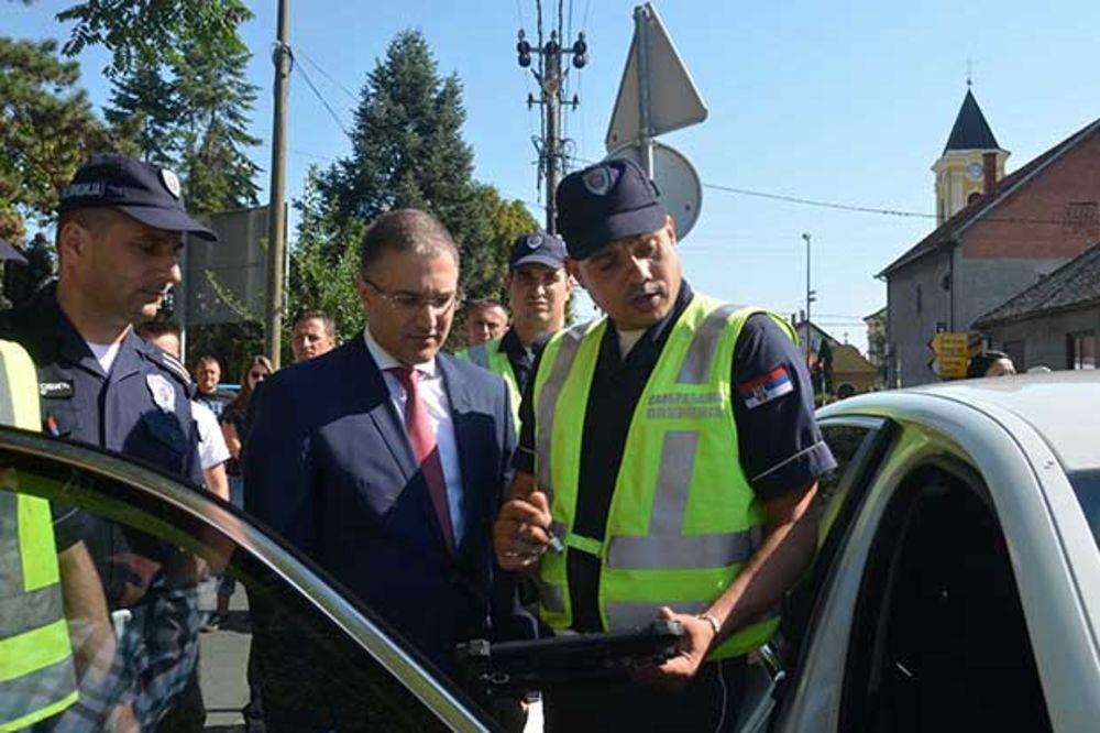 VOZAČI, ČUVAJTE NAM ĐAKE: Pojačana kontrola saobraćaja u blizini svih škola u Srbiji