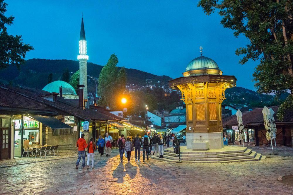 HRVATSKI MEDIJI: U Sarajevu živi više od 40.000 Arapa, a mnogi na telefonu imaju pesme ID