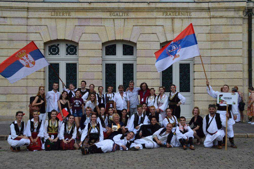 I ONI PREDSTAVLJAJU NAŠU ZEMLJU: KUD Batajnica osvojio prvo mesto u Francuskoj