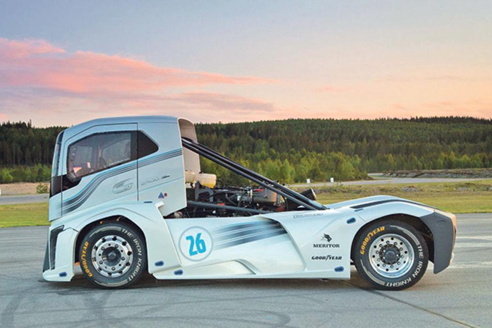GVOZDENI VITEZ: Volvo ponovo oborio brzinske rekorde!