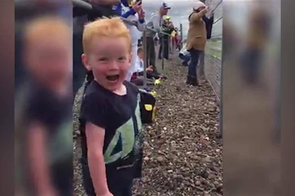 (VIDEO) EKSPLOZIJA UZBUĐENJA NA F1: Ovakvu sreću može da oseća samo dete...