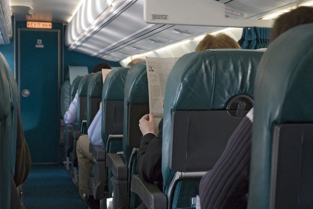 U AVION BEZ LAPTOPA: Amerika zabranila prenošenje elektronskih uređaja na letovima iz osam država