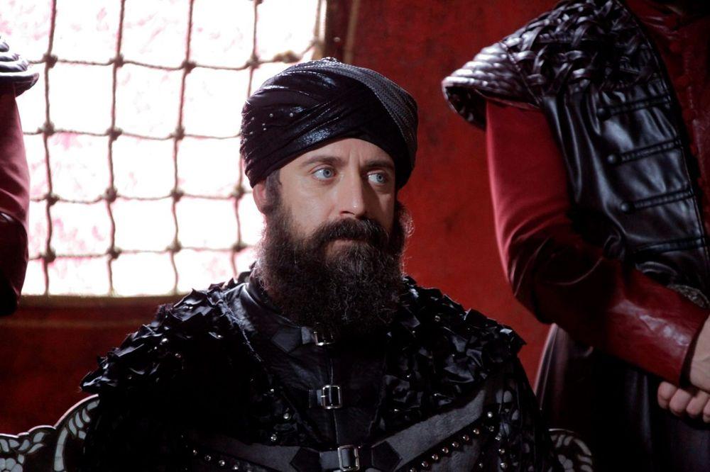 ZBOG NJEGA SU ŽENE BALAVILE: Pogledajte koliko se promenio glumac iz serije Sulejman Veličanstveni