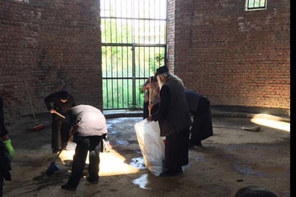 TORTURA: Građevinska inspekcija sprečila čišćenje Hrama Svetog Spasa u Prištini
