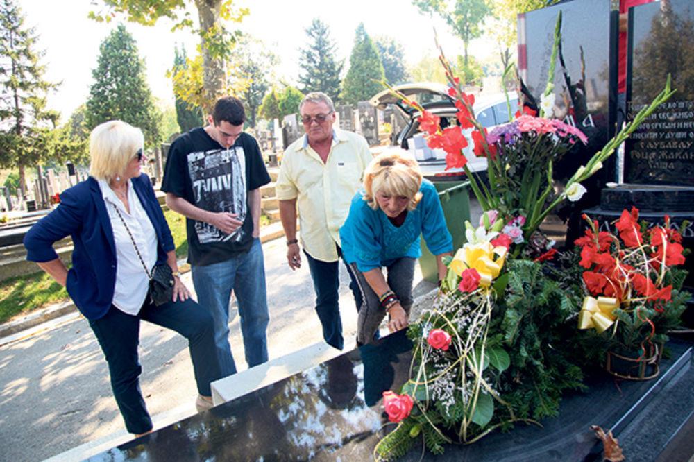 Sećaju ga se po dobrom... Merimu Njegomir i Zorana Kalezića veže prijateljstvo sa porodicom Zdravković