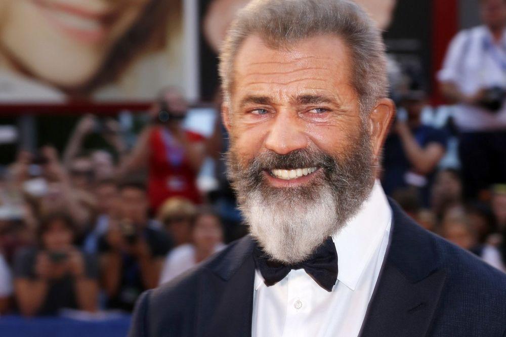 TATA-PO-9-PUT-Mel-Gibson-ceka-dete-sa-34-godine-mladjom-devojkom