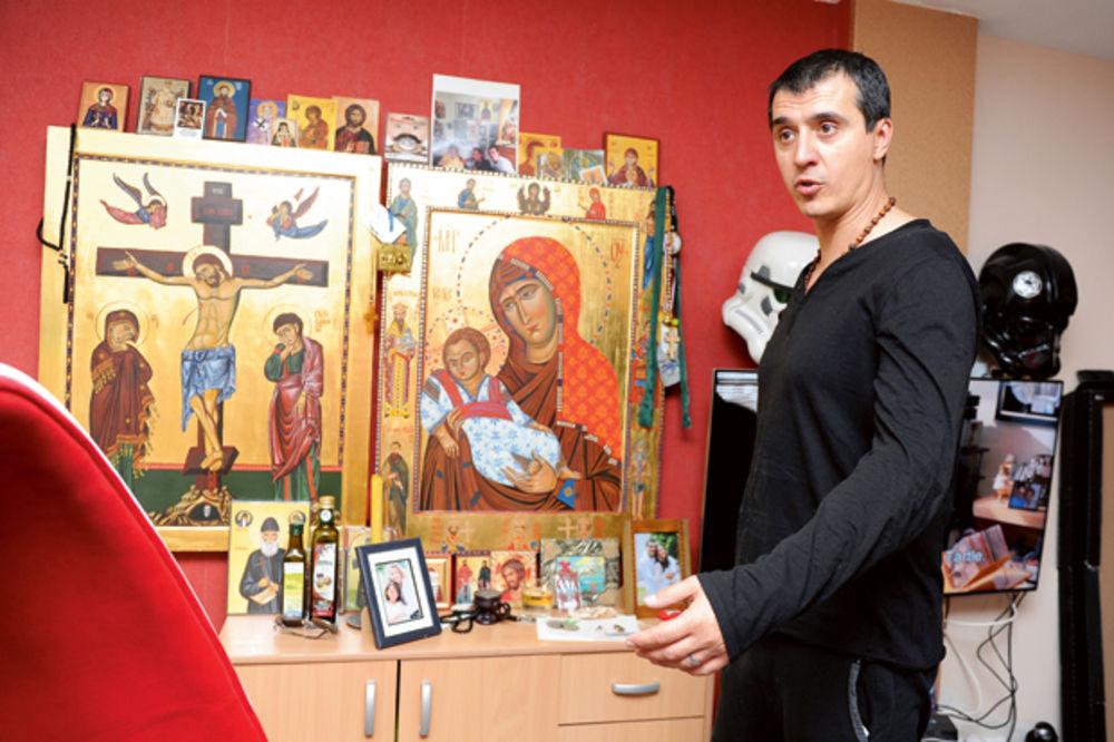MARKO BULAT: Napadaju me da šmrčem sa ikone