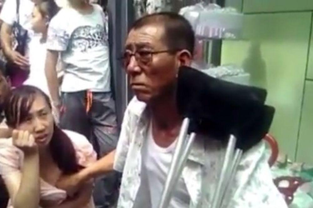 (VIDEO) MA TO SU VIDOVNJACI: Ženama proriču sudbinu pipkajući ih za grudi! I još naplate
