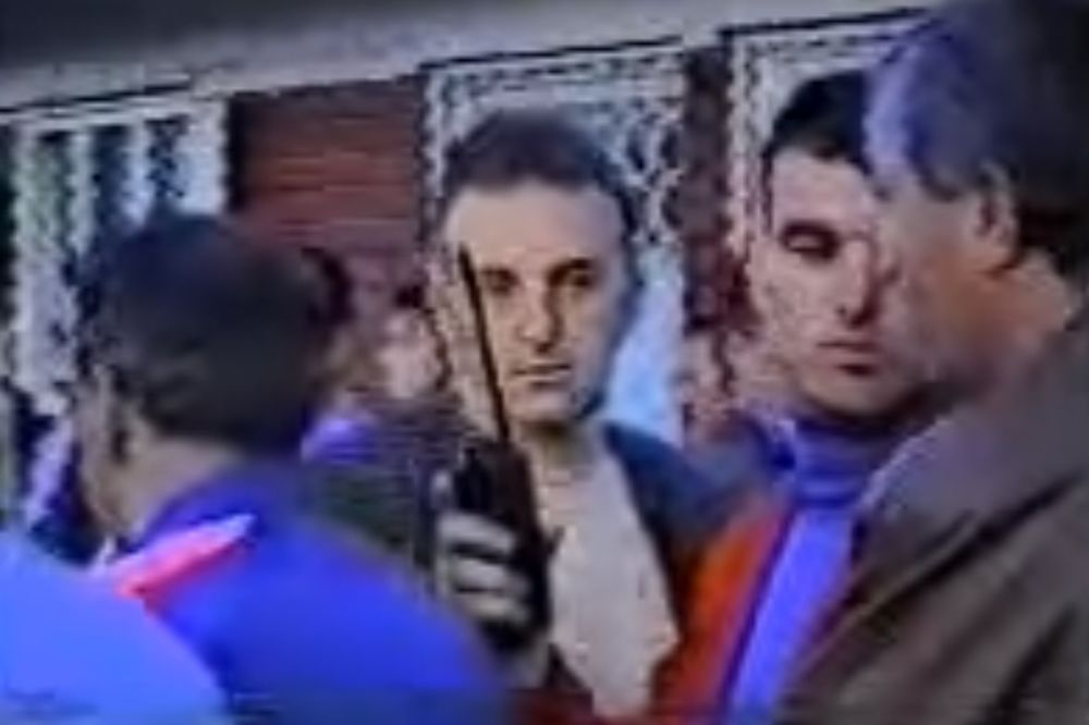 (VIDEO) NAJVEĆI SKANDAL SRPSKOG FUDBALA Arkana i Legiju od razjarenih navijača jedva spasla policija