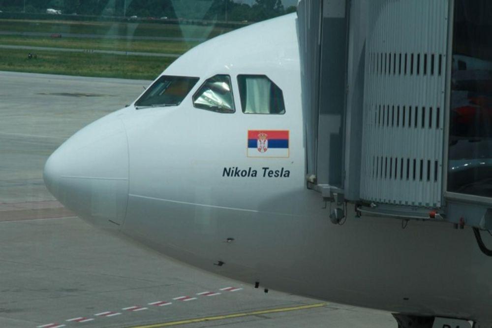 VRATILI SE I ATLETIČARI: Aplauz za srpske paraolimpijce na aerodromu Nikola Tesla