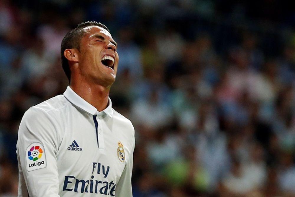 (VIDEO) PORTUGALAC LJUT NA TRENERA: Evo kako je Ronaldo pobesneo kada ga je Zidan zamenio