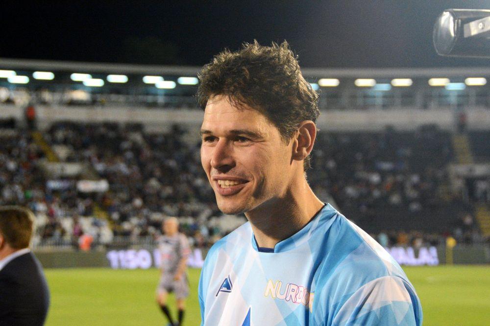 (VIDEO) MANGUP JE TO: Evo kako je Nikola Žigić blistao na terenu i van njega