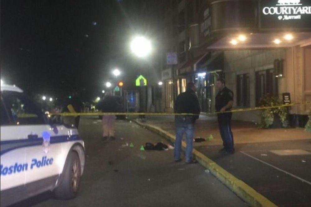 KRVAVA NEDELJA U AMERICI: 6 ranjenih u napadu nožem u koledžu u Bostonu