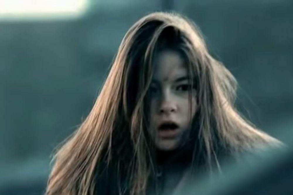 (FOTO) DA LI JE PREPOZNAJETE? Evo kako je Veljkova devojka izgledala na početku karijere
