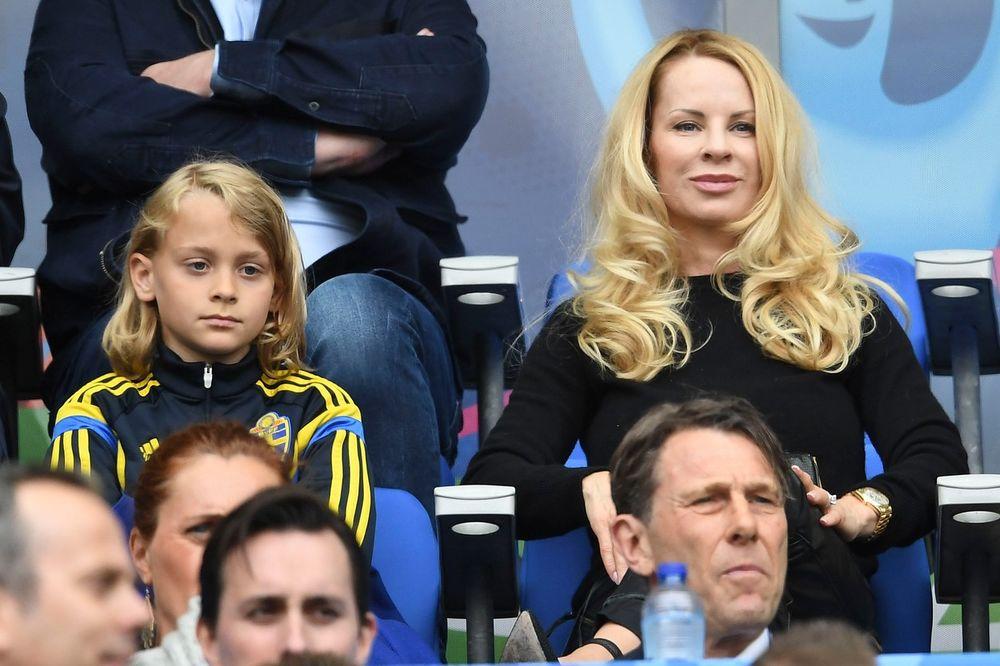 VIDEO, FOTO) SKANDALOZNA PLAVUŠA: Ova žena je uspela da ukroti Zlatana  Ibrahimovića