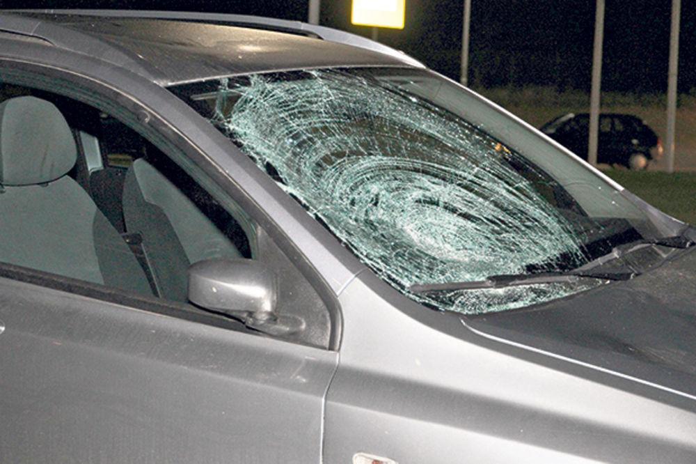 INCIDENT NA AUTO-PUTU: Macolom na kola direktorke Poreske uprave
