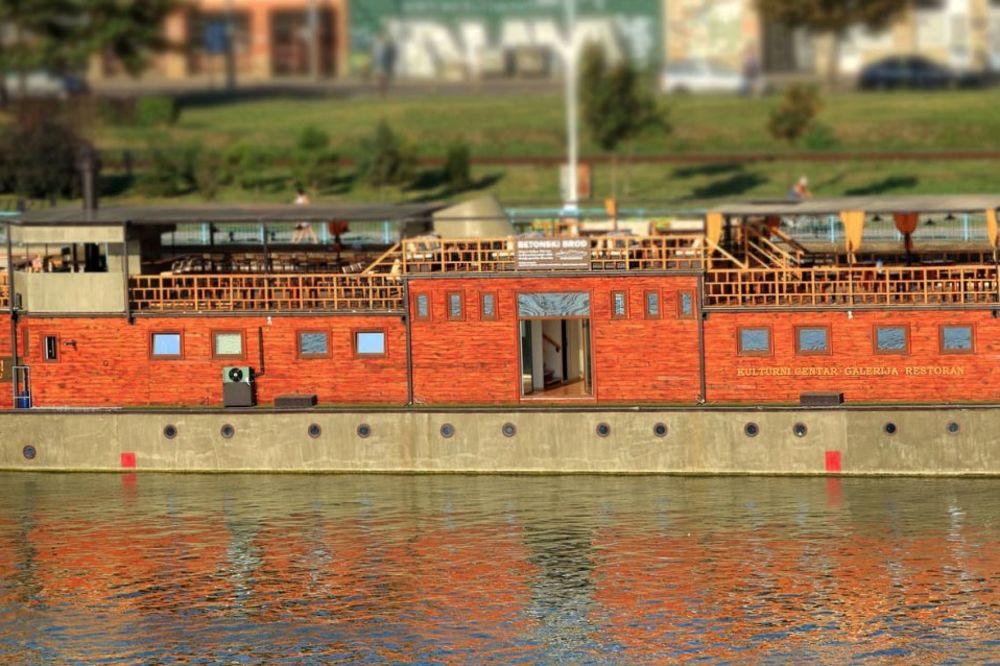 JEDAN OD DVA PREŽIVELA U CELOJ EVROPI: Restauriran betonski brod nova atrakcija Beograda