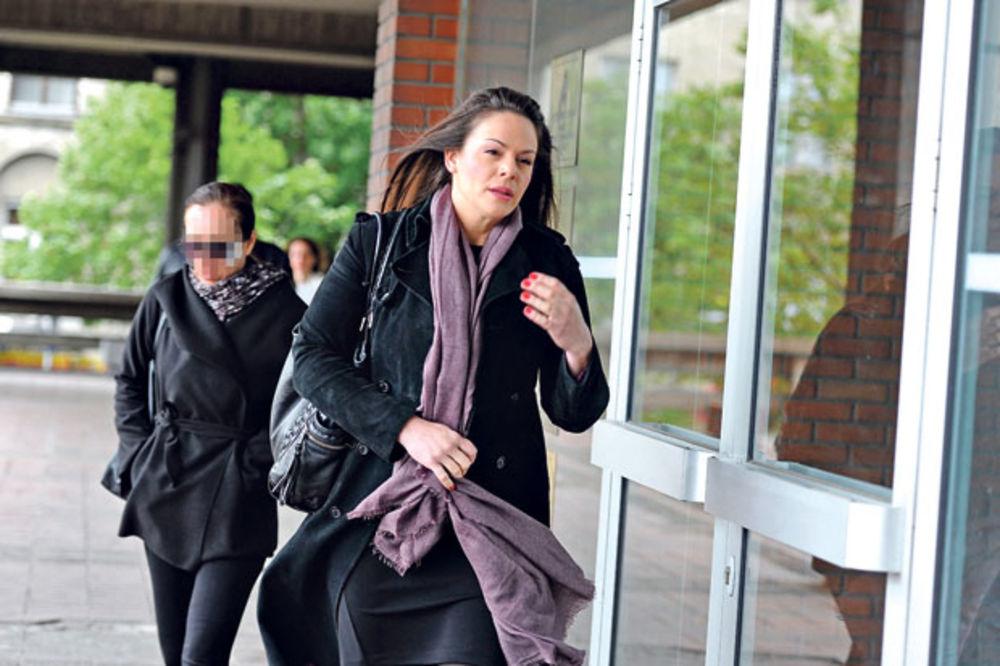 PRONEVERA NOVCA: Katarina Rebrača tvrdi da je kupila dva mamografa