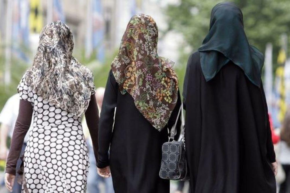 NEĆE DŽAMIJU U SVOM SUSEDSTVU! Nova istraživanja: Austrijanci sve manje tolerantni!