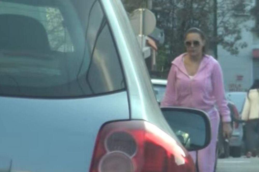 VIDEO DO SAD JE NIKAD NISTE VIDELI OVAKVU: Evo kako CECA izgleda u roze trenerci i bez TRUNKE ŠMINKE