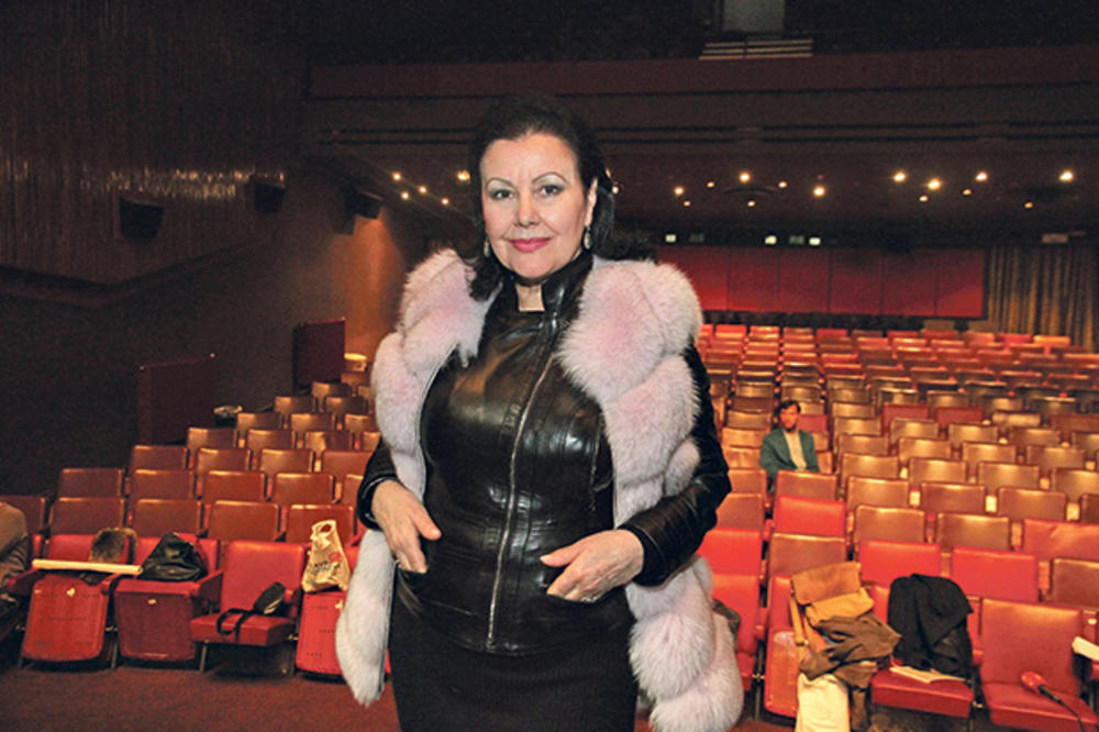NJENE REČI NATERAĆE VAS NA RAZMIŠLJANJE: Snežana Savić otkrila zašto nije imala više dece!