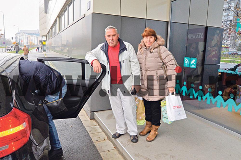 Jedva čekali da vide unuka... Roditelji Petra Mitića
