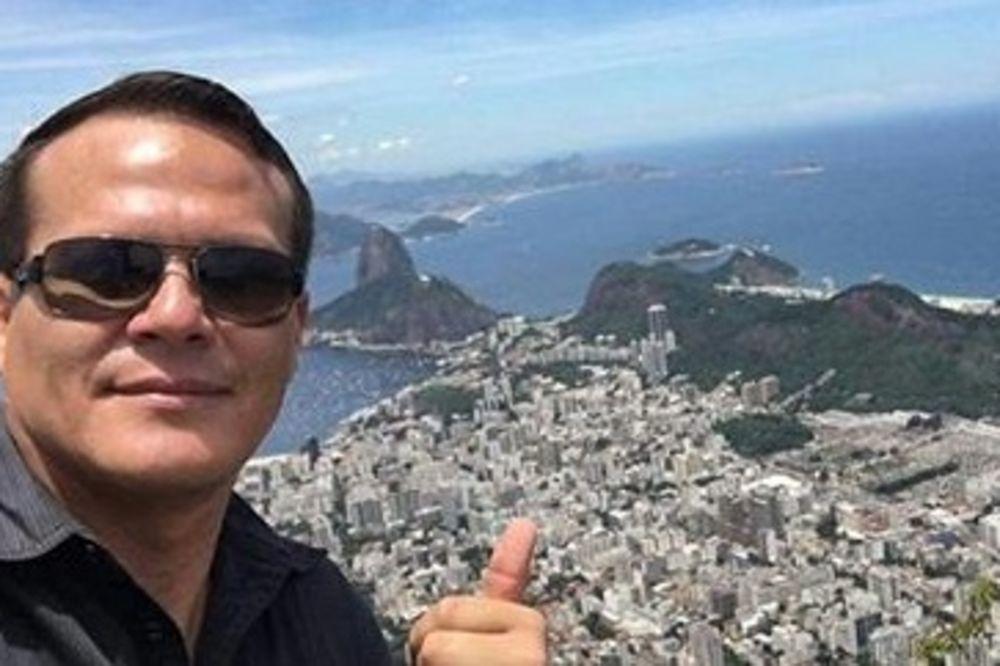 (FOTO) POGINUO JE KAO HEROJ: Pilot je izveo genijalni potez kojim je spasio šest života!