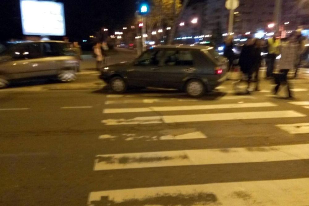 (FOTO) IZBEGAVAJTE OVAJ DEO GRADA: Sudar kod Yu biznis centra izazvao kolaps u saobraćaju!