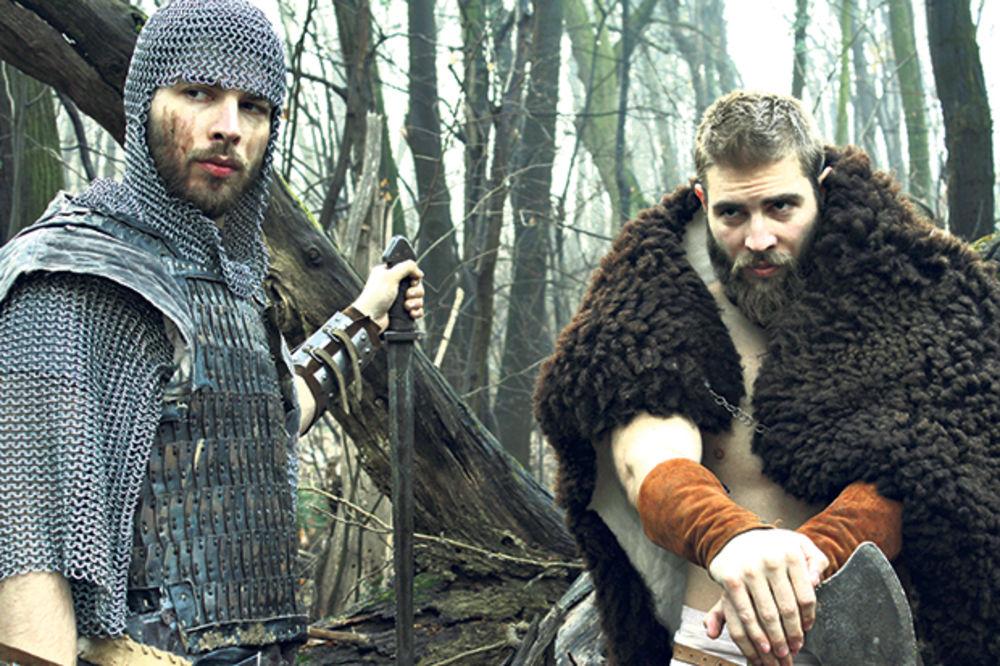 Bave se i modelingom... Braća kao srednjovekovni ratnici
