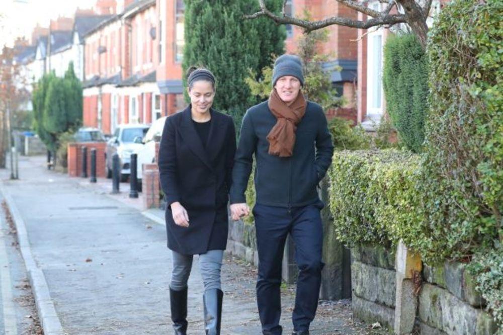 ŠVRĆKANJE PO KOMŠILUKU: Anu i Bastijana u šetnji pratio nepoznati muškarac