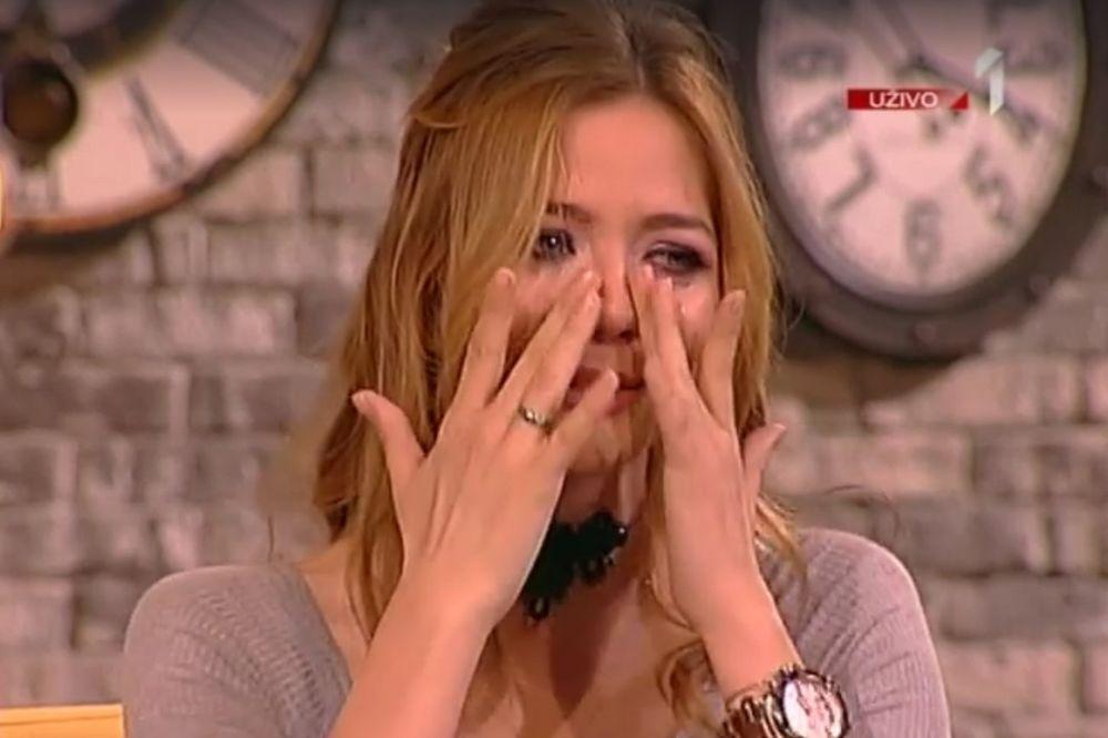 (VIDEO) NINA JANKOVIĆ SE RASPLAKALA U EMISIJI: Voditeljka nije uspela da smiri glumicu!