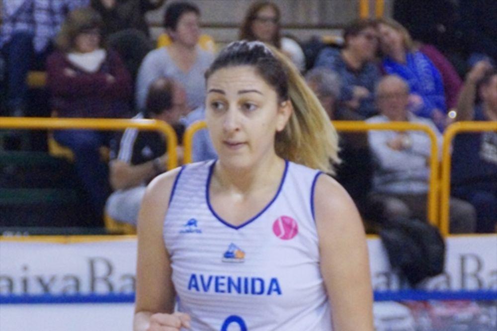 (VIDEO) VRHUNSKA FINTA SRPKINJE: Pogledajte koš Jelene Milovanović