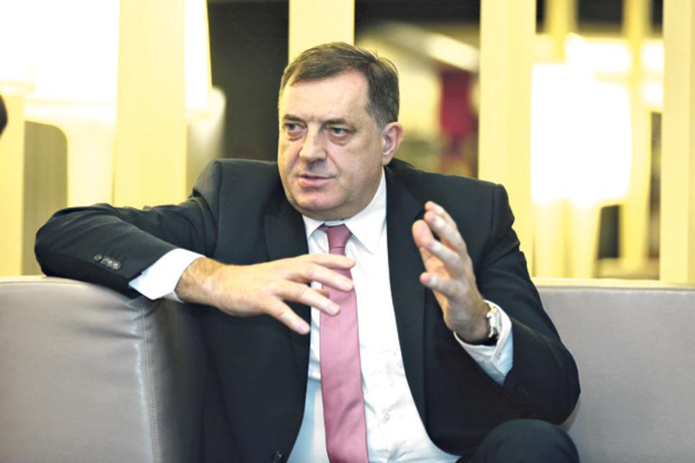 Umićević: Zbog toga što sam pozvao Dodika umesto nje, žena neće više da mi pegla košulje (Foto: Marina Lopičić)