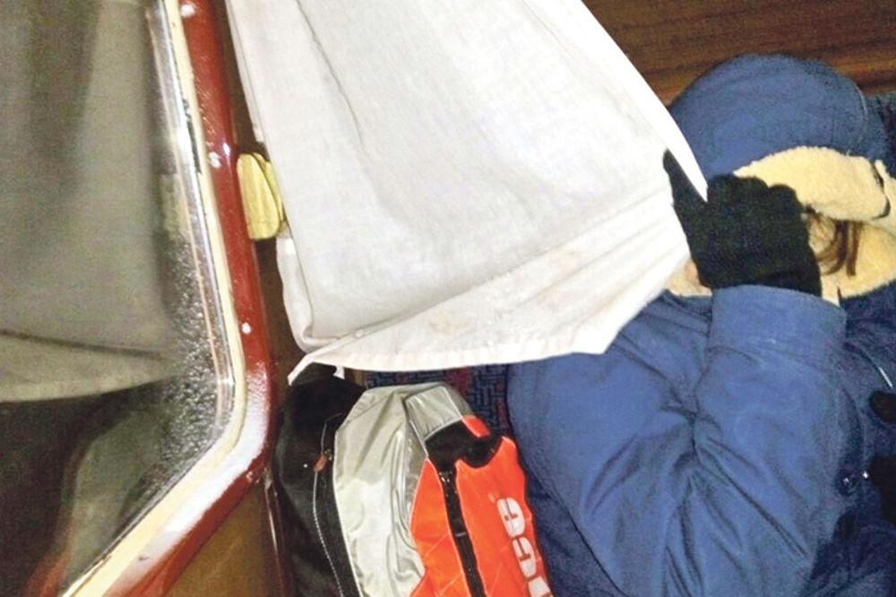 DRAMA U VOZU BEOGRAD-BAR: Putnike ostavili da se smrzavaju 10 sati!