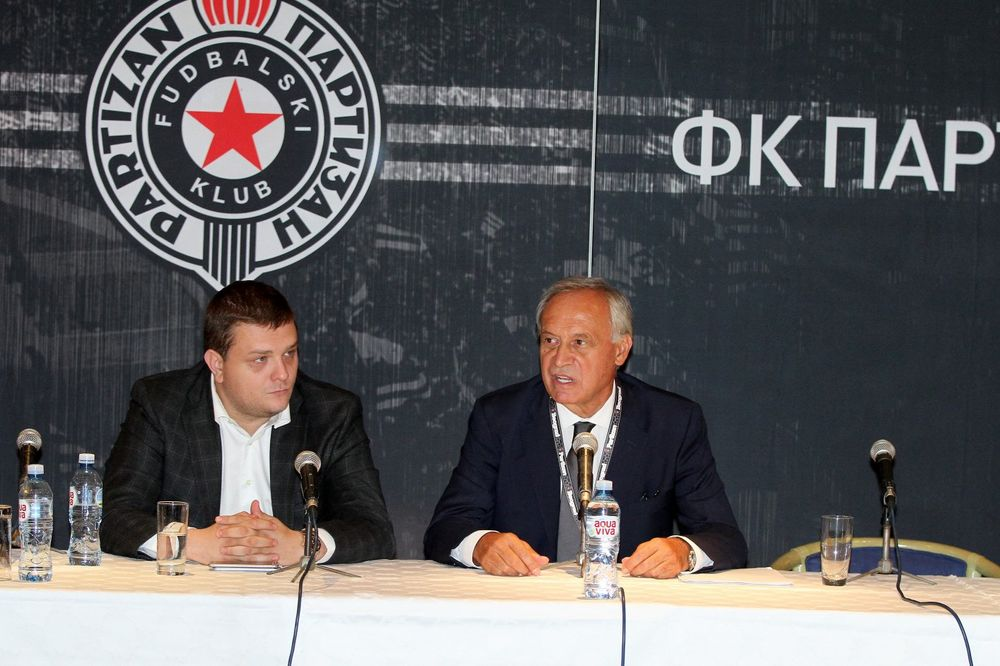 (FOTO) UPRAVA CRNO-BELIH OBMANULA NAVIJAČE: UEFA je već izbacila Partizan iz Evrope!