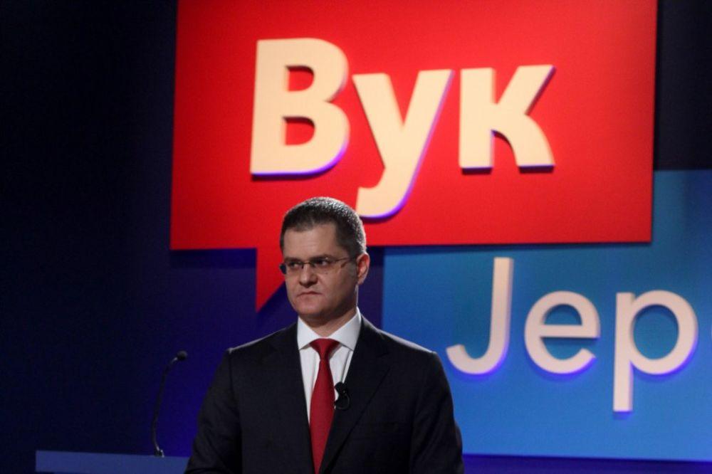Tim Vuka Jeremića optužio SNS i državu za ometanje tribine u Smederevu!