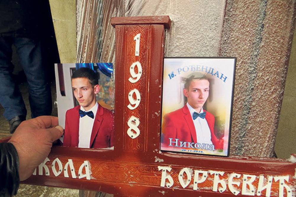 Nesreća posle slavlja... Nikola u novembru napunio 18 godina